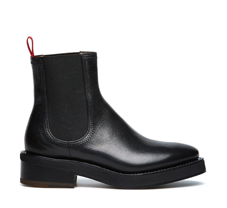 Barracuda Beatle boots in exquisite buffalo leather