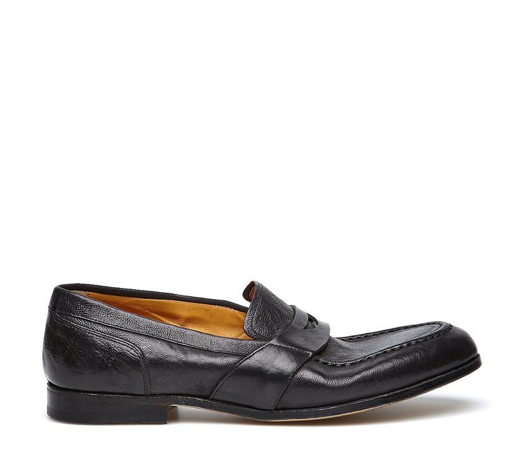Barracuda bold vintage-style moccasins
