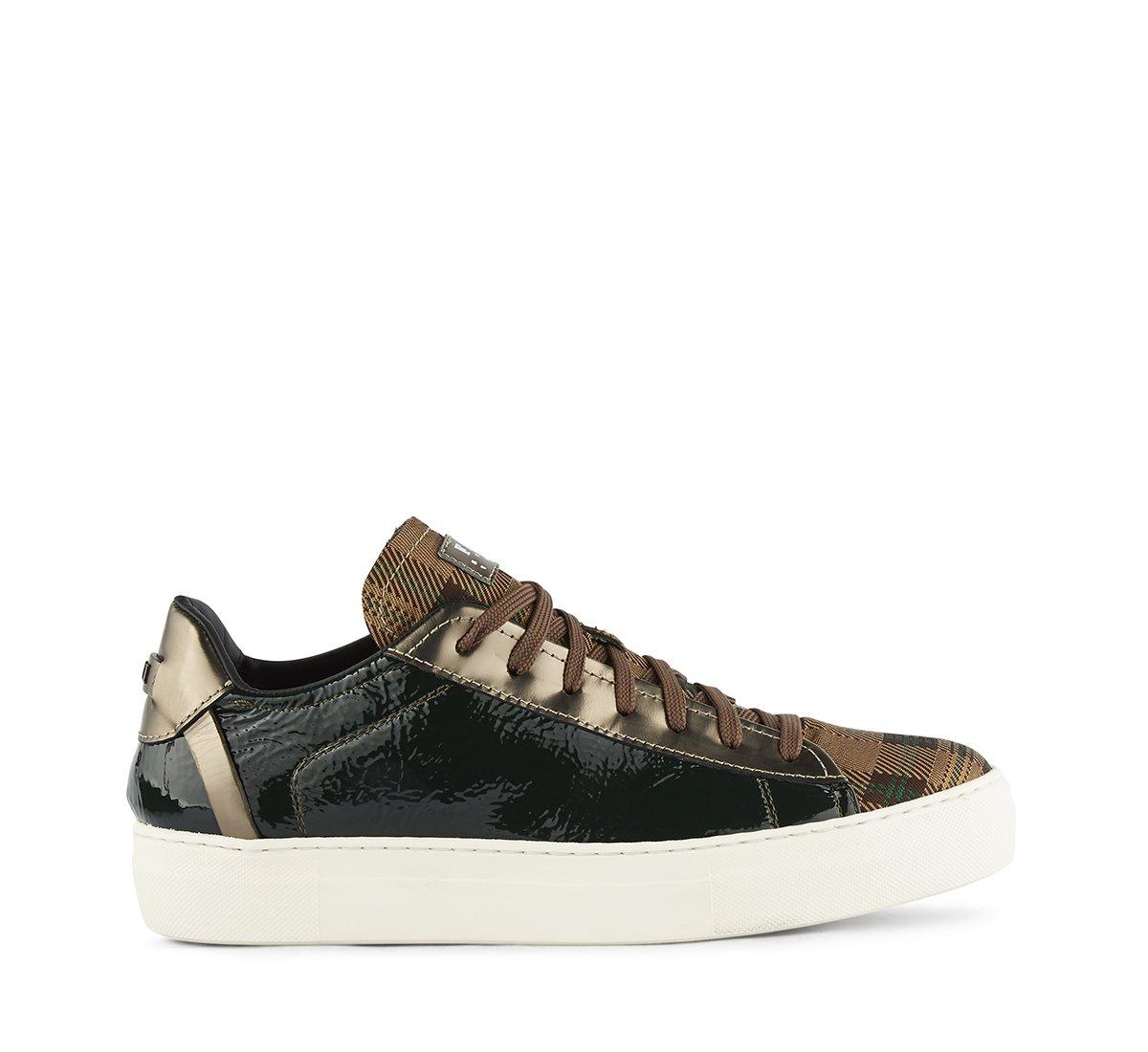 Sneaker Fabi in morbidissima vernice e tessuto