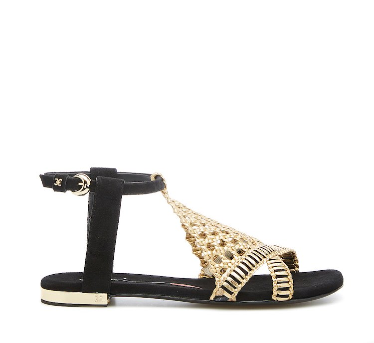 Flat sandals in suede