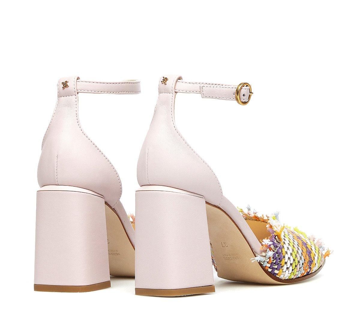 Sandalo con intrecci in morbido tessuto