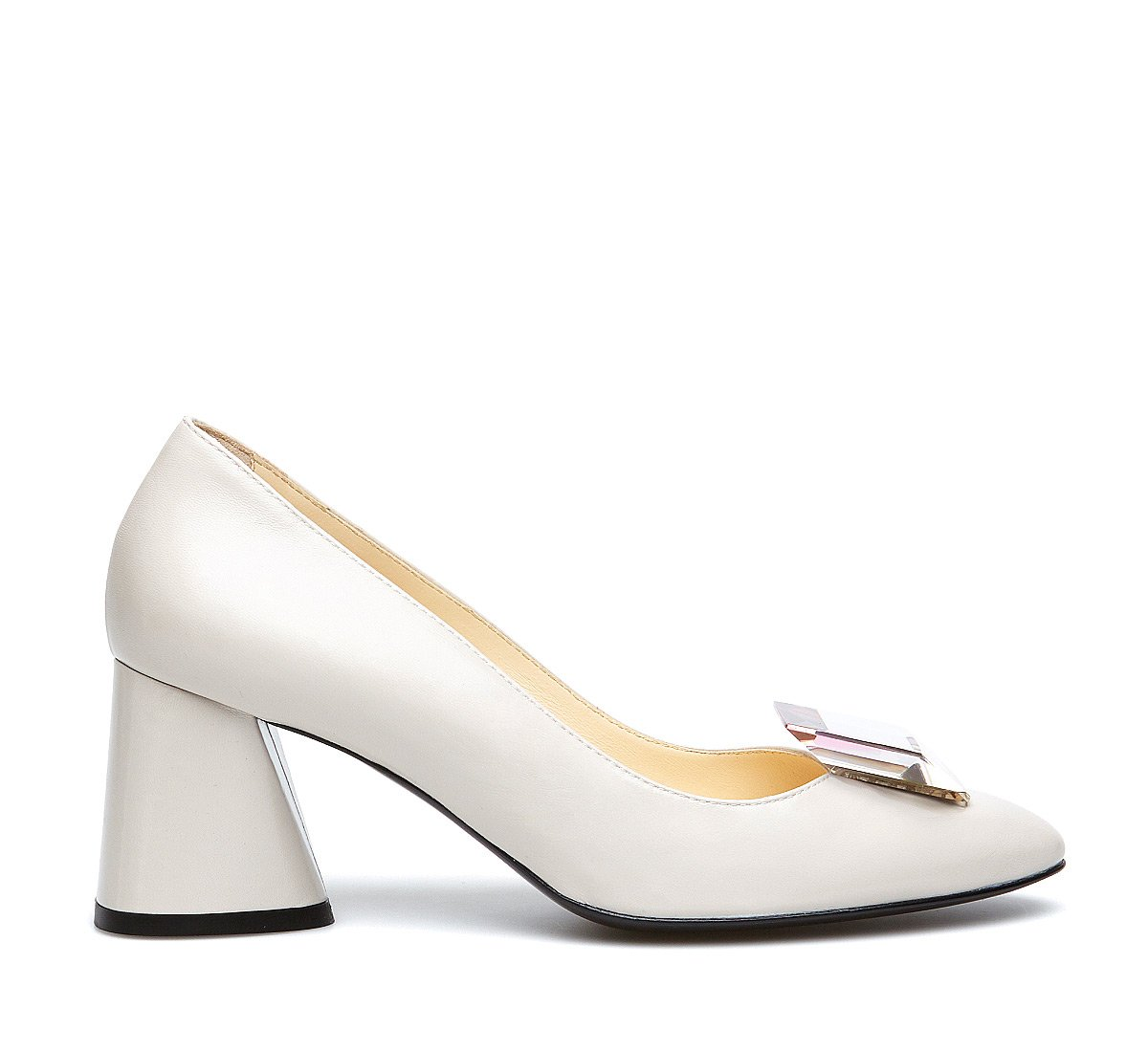 Exquisite calfskin pumps with plexi stone
