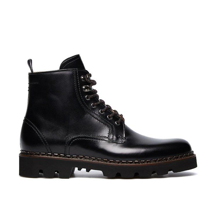 Exquisite calfskin combat boots