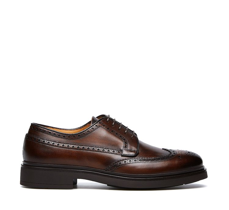 Five-eyelet derbies in hand-buffed deerskin