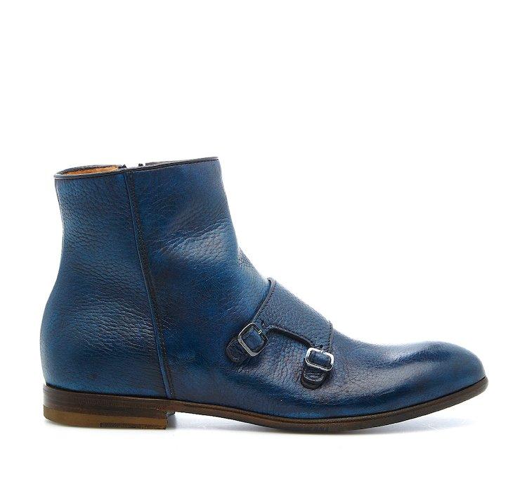 Ankle boots in hand-buffed buckskin