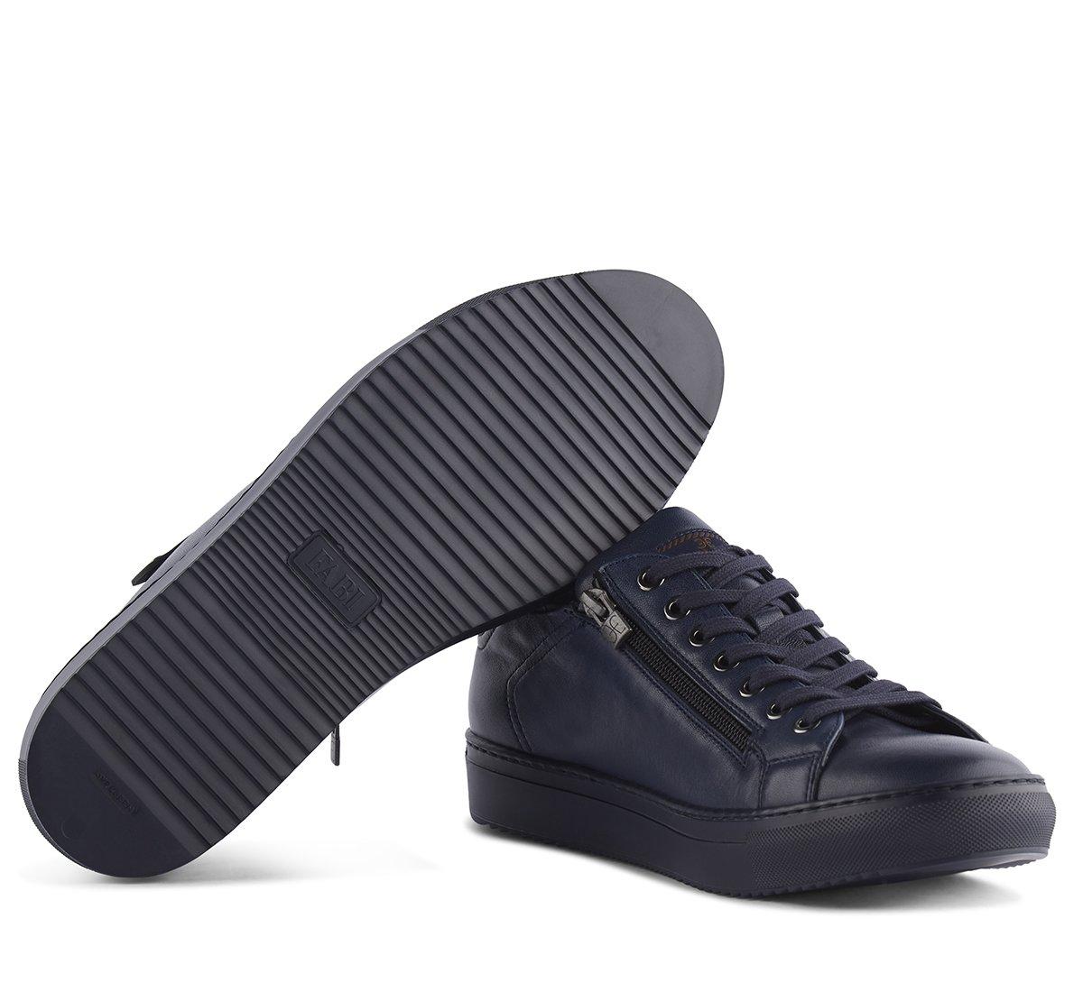 Sneaker in morbida nappa imbottita