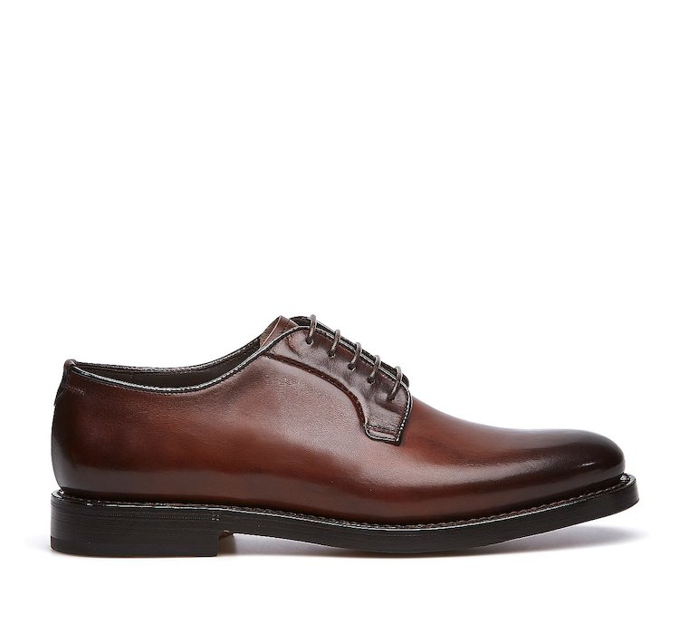 Goodyear Flex lace-ups in hand-buffed calf leather