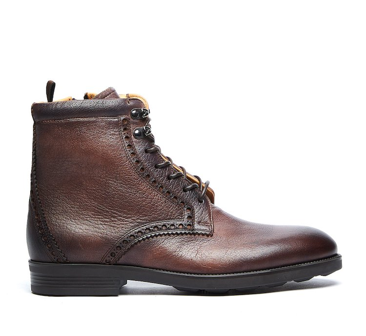 Combat boots in very soft calf leather