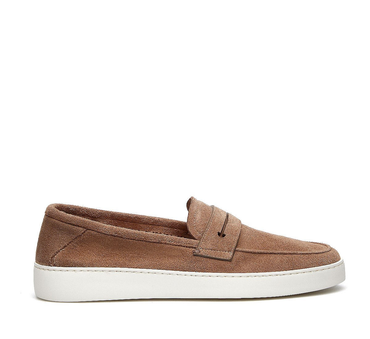 Sporty moccasins in exquisite reversed deerskin