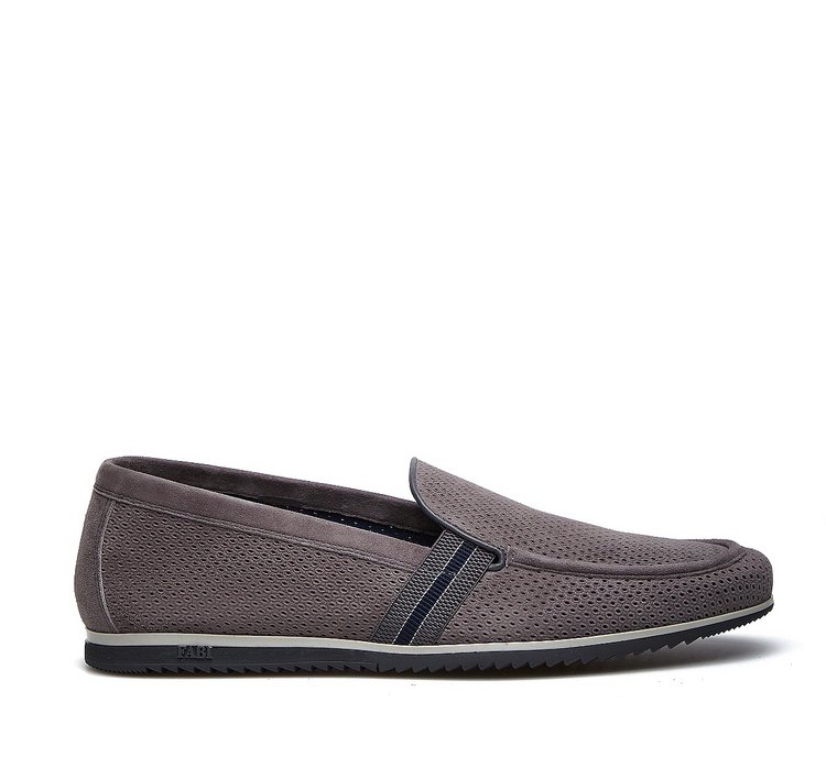 Sporty moccasins in soft suede