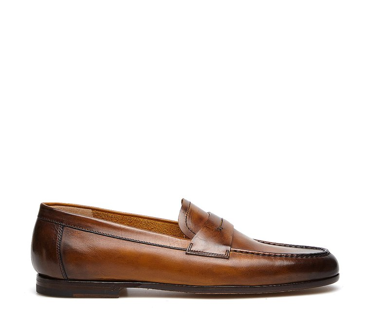 Moccasins in soft hand-buffed calfskin