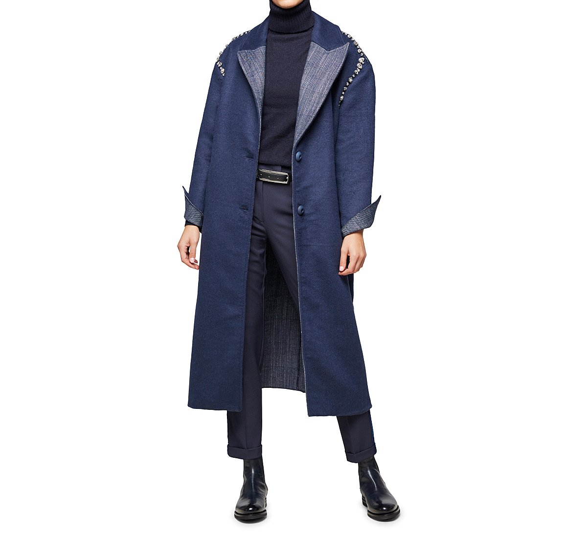 Coat with turned cuffs and lapel collar