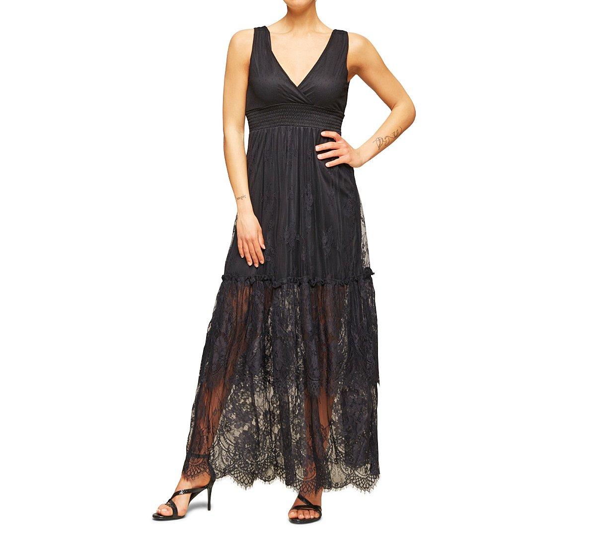 Sleeveless dress with V-neck