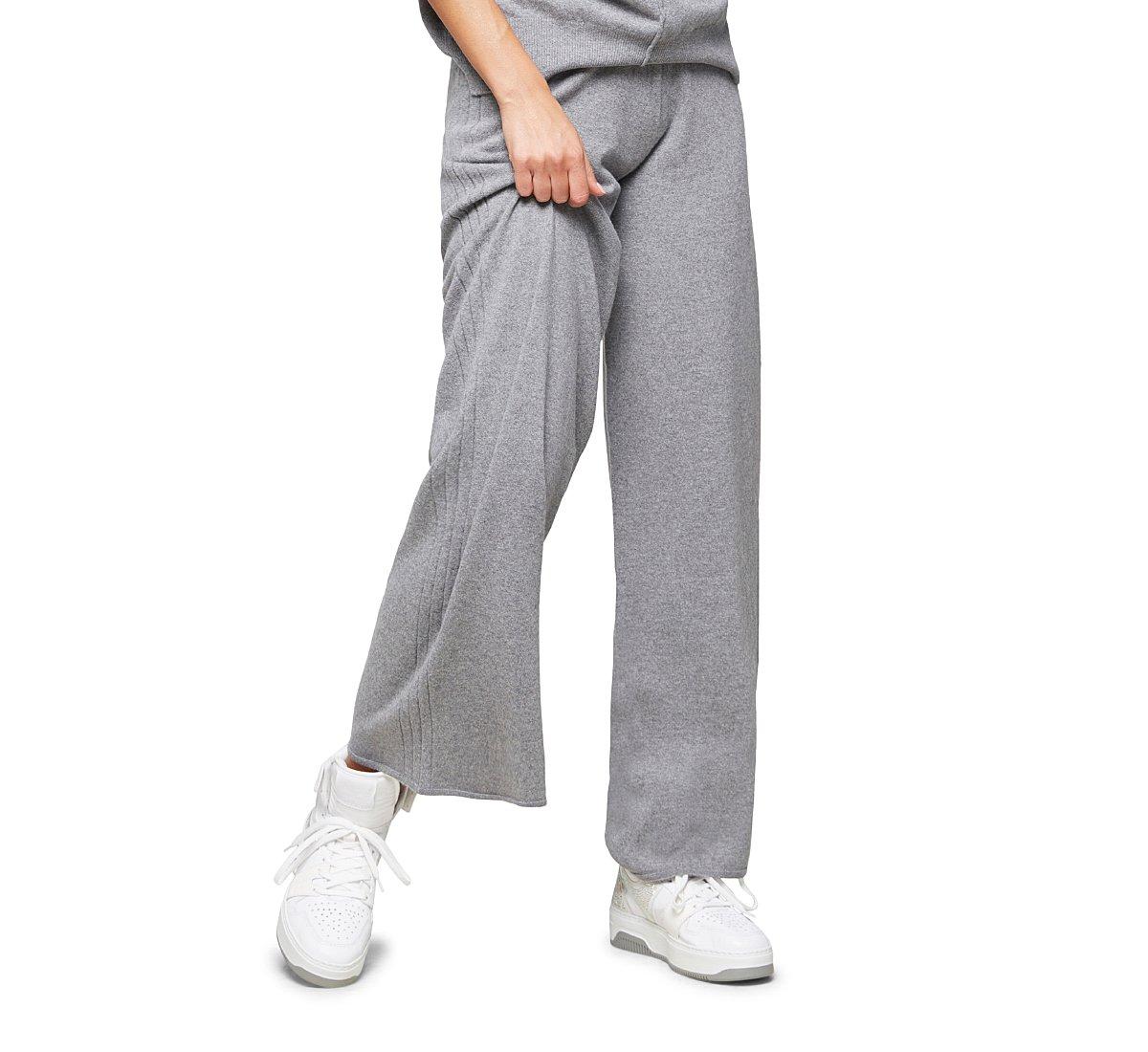 Широкие брюки прямого кроя из теплой шерсти
