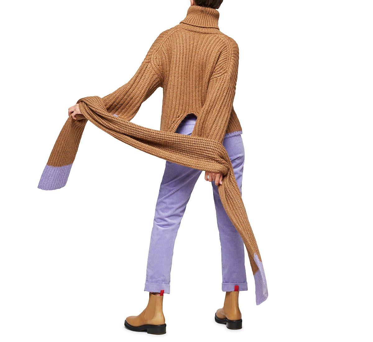 Укороченный свитер с высоким воротом в рубчик английской вязки