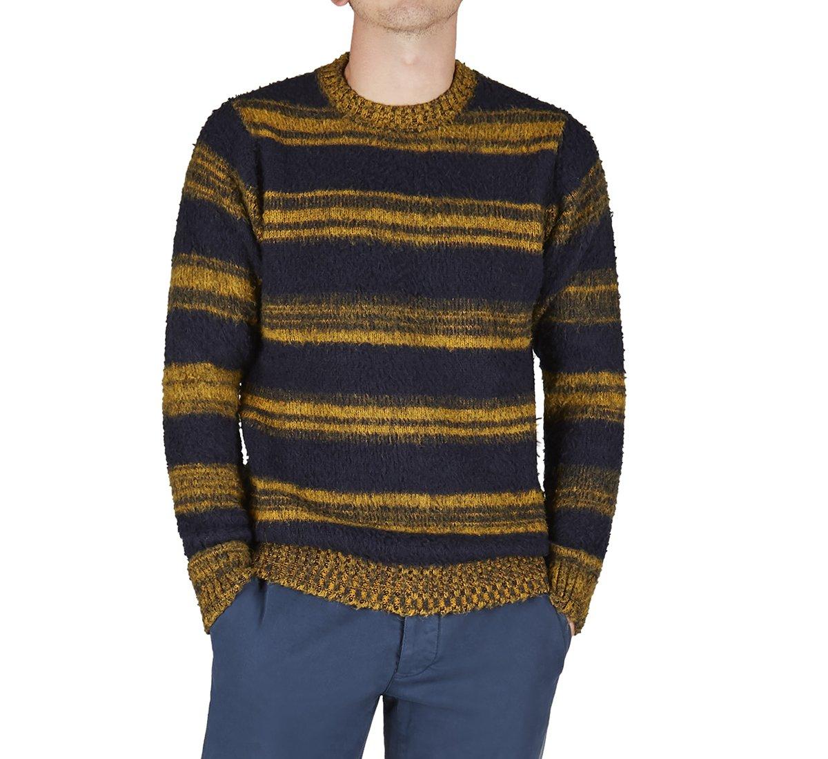 Pullover in calda lana e tessuto