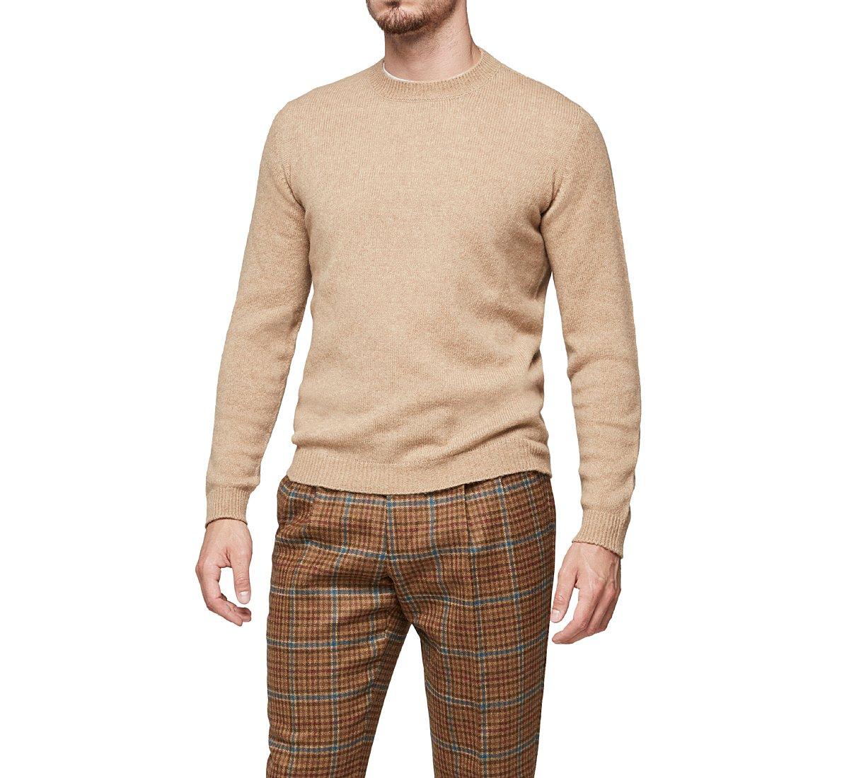 Yarn pullover