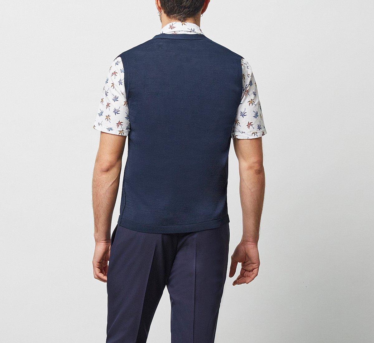 Sleeveless cotton cardigan