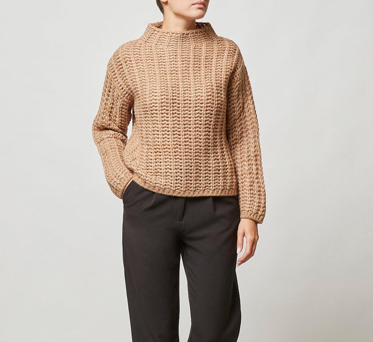 Maglione corto in calda lana