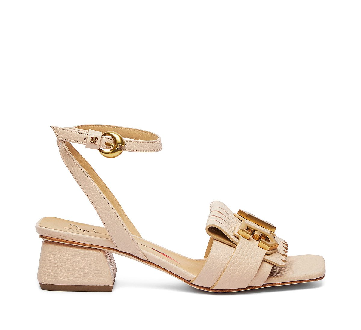 Sandals in exquisite calfskin