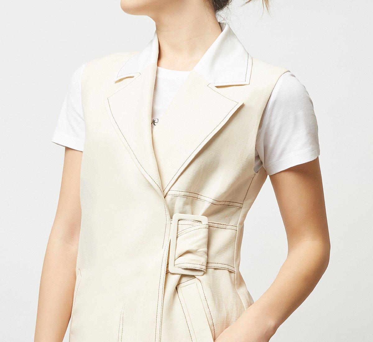 Sleeveless fabric jacket