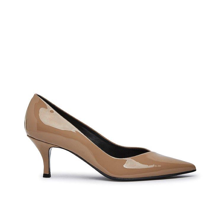 Туфли-лодочки из лакированной кожи