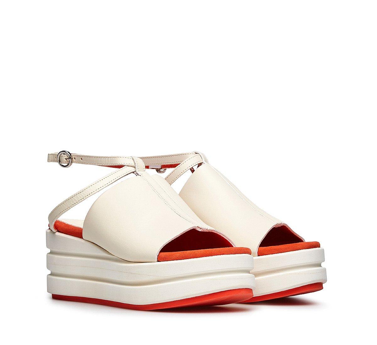 Calf raft
