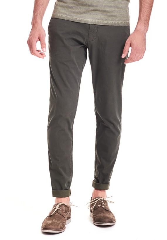 Pantalón chino slim