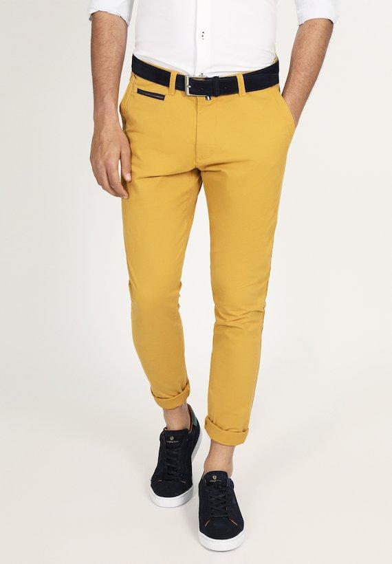Pantalón chino slim liso