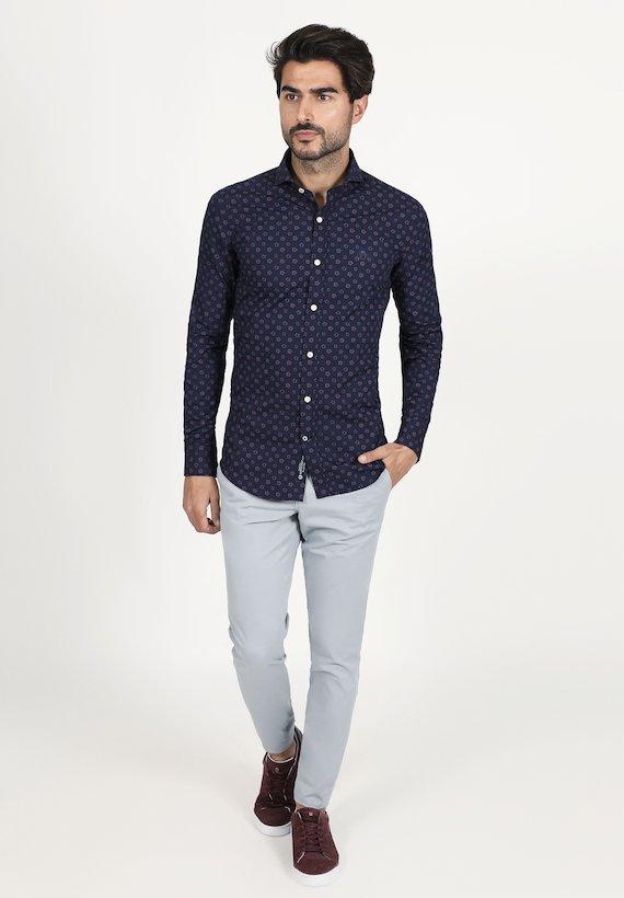 92f818e5e ... Camisa regular fit con estampado de flores