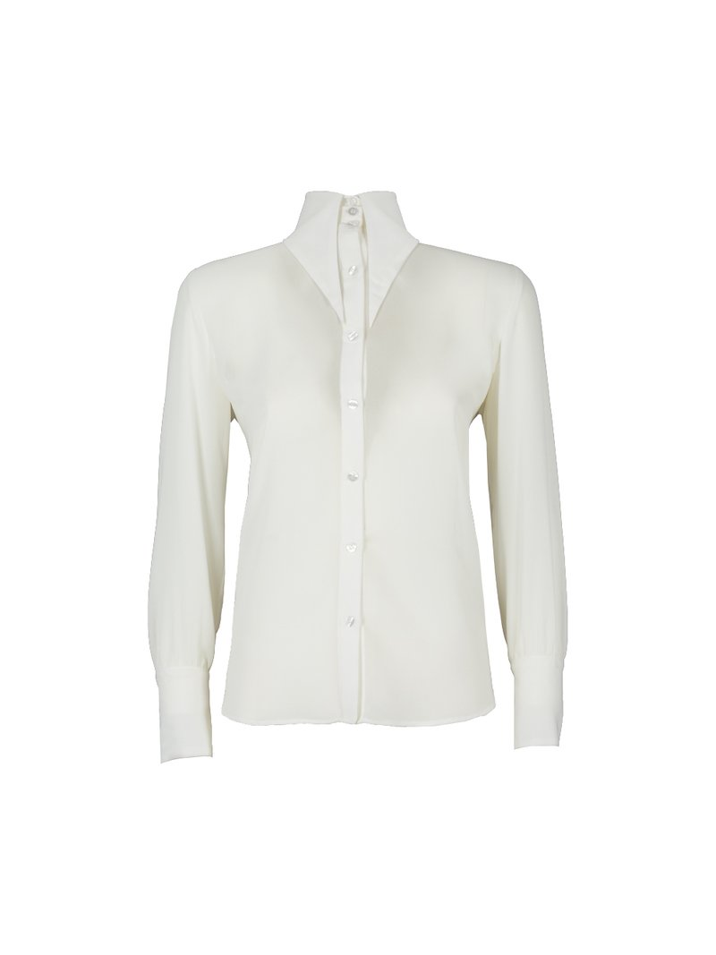 Shirt with pointed collar