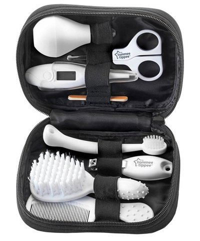 Tommee Tippee Closer to Nature Healthcare and Grooming Kit