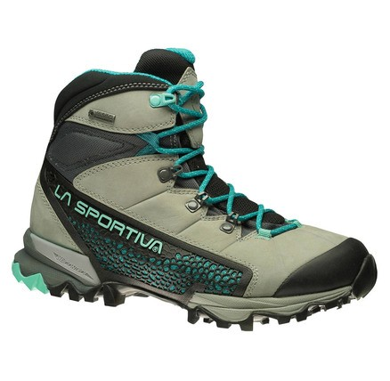 Hiking Boots & lightweight Shoes for Women - WOMAN - Nucleo Woman Gtx - Image
