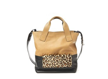 Petra<br>Shopper bag with removable leopard-print clutch