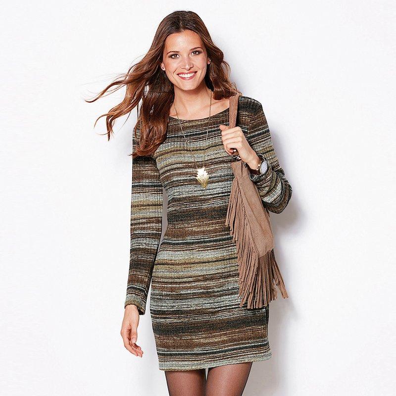 Vestido corto manga larga a rayas en suave tricot