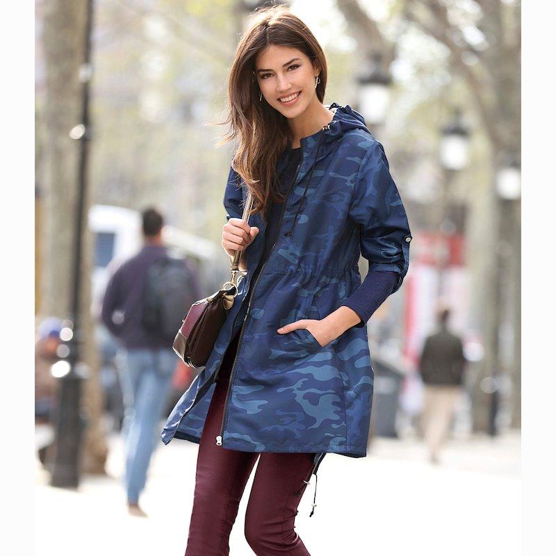 Parka mujer estampado camuflaje con capucha