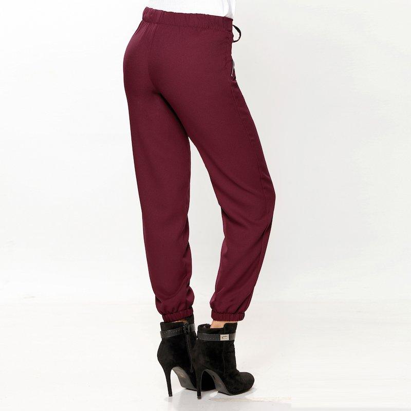Pantalón con cinturilla y puños elásticos