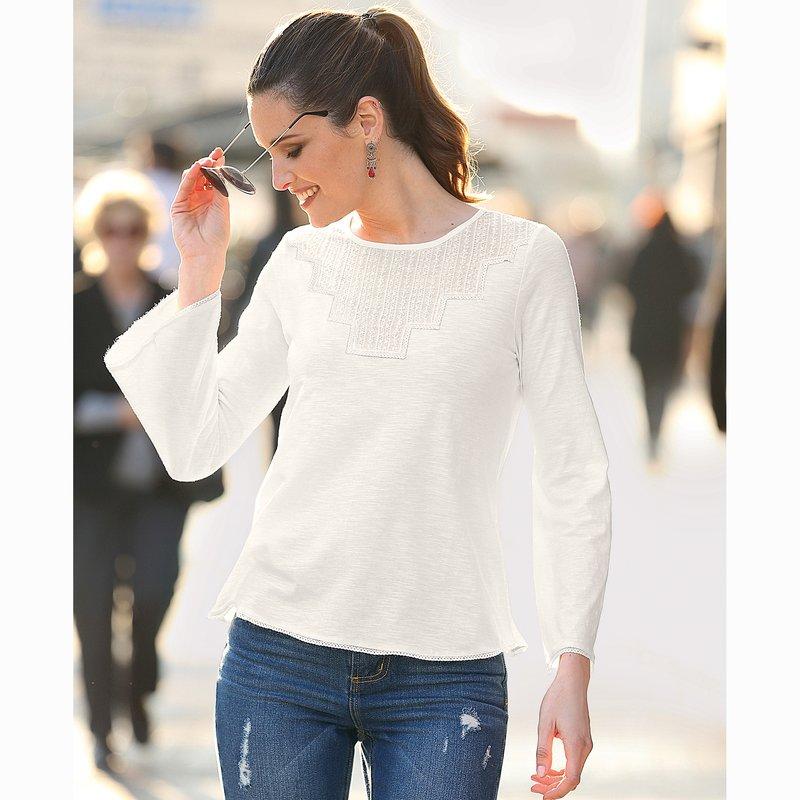 Camiseta mujer con puntilla a tono manga larga