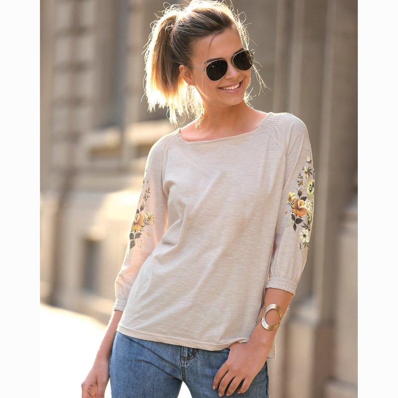 Camiseta con estampado floral y manga 3/4 elástica