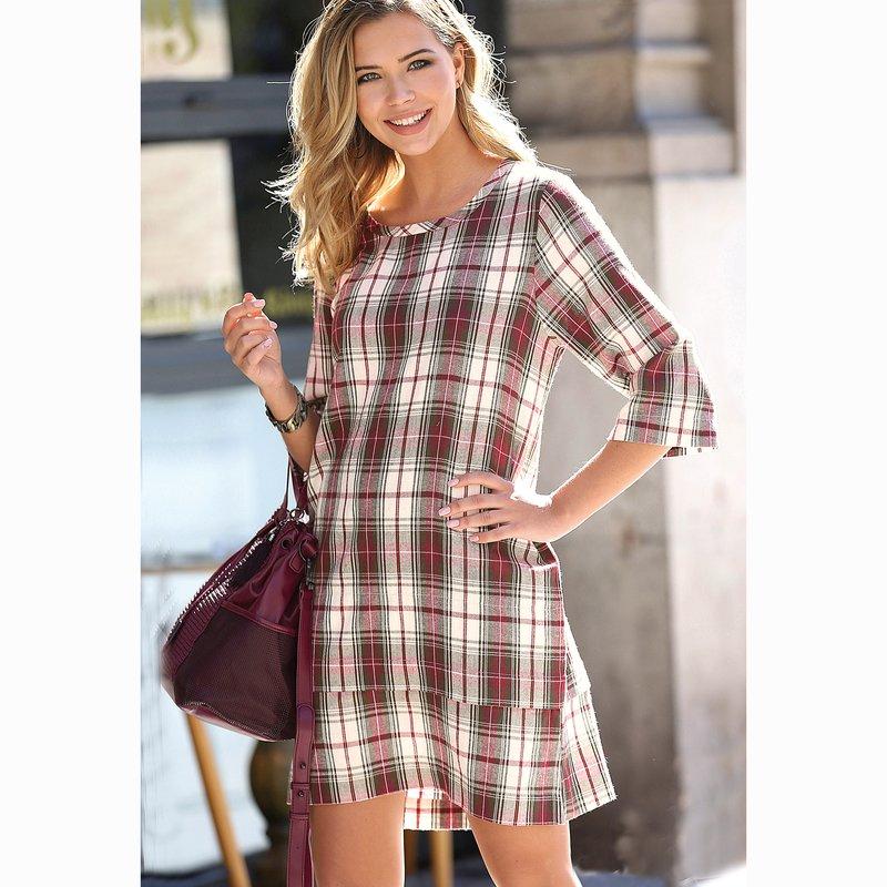 Vestido mujer de cuadros tejidos con tapeta de botones