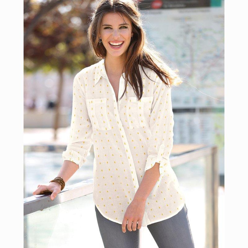 Camisa con bolsillos de plastrón bordada