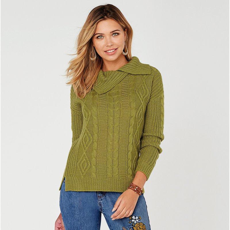 Jersey con trenzas tricotadas y cuello vuelto