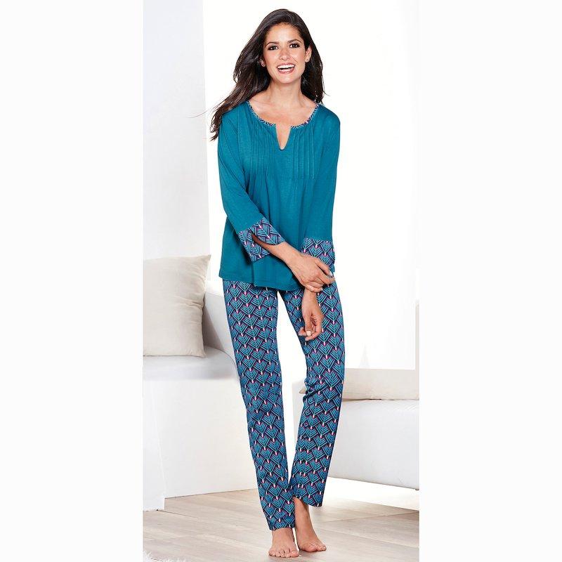 Pijama 2 piezas con jaretas y piezas estampadas