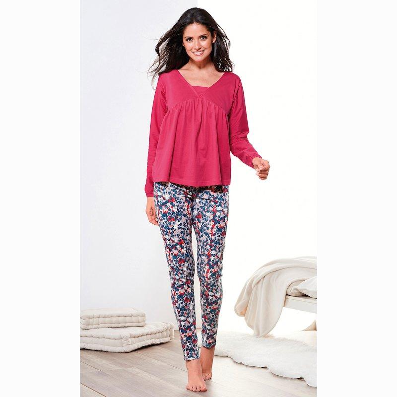 Pijama camiseta lisa y pantalón pitillo estampado