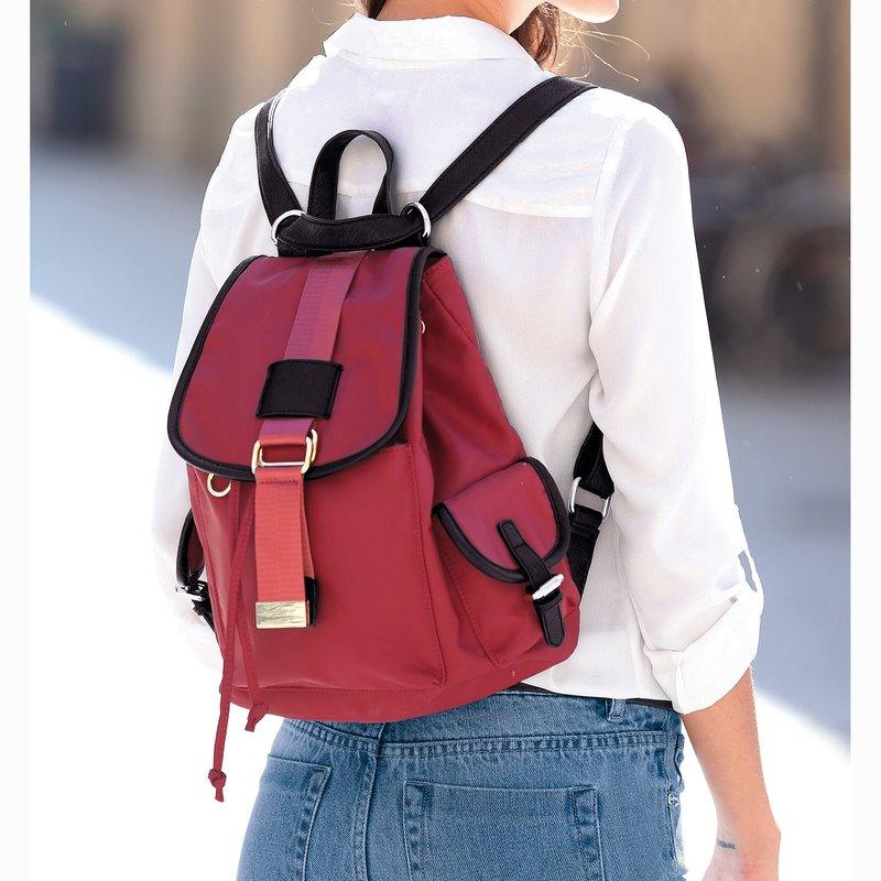 Bolso tipo mochila diseño multibolsillos
