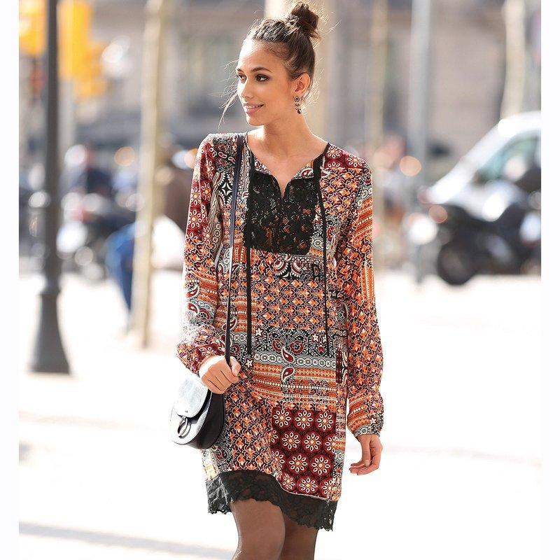 Vestido estampado patchwork oriental con encaje