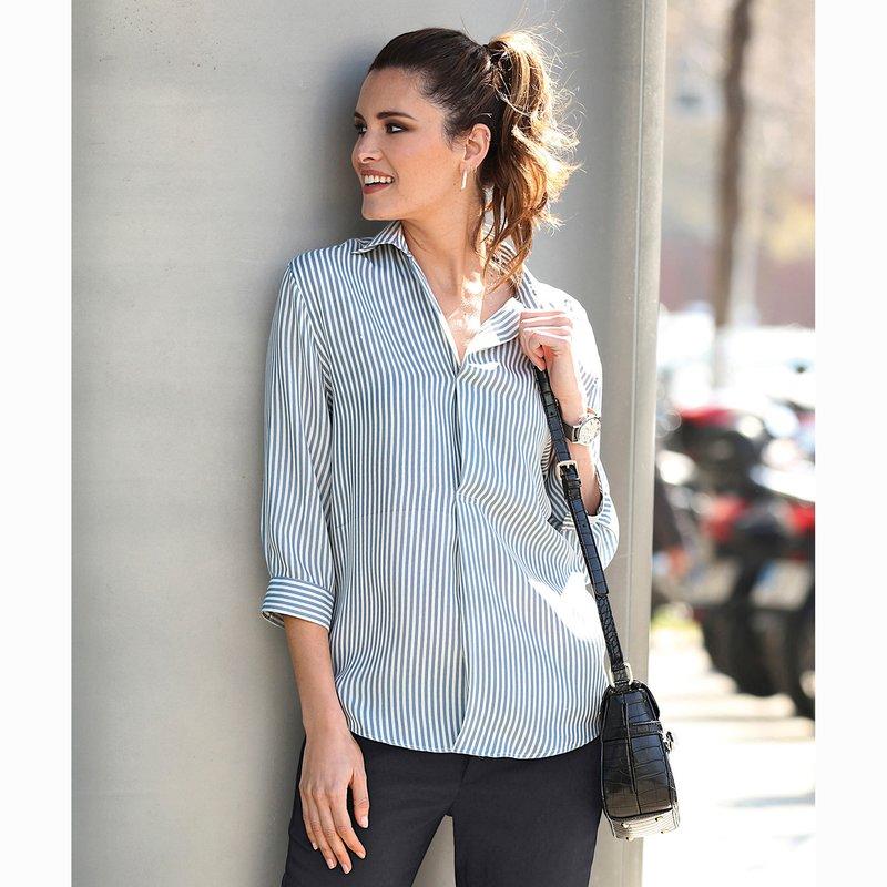 Blusa rayas en tejido crepe y manga 3/4 con puño