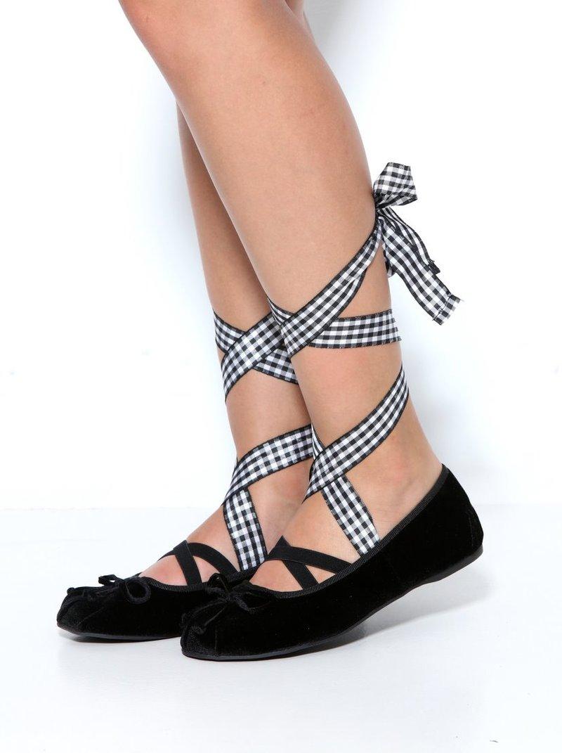 Zapatos manoletinas de suave terciopelo