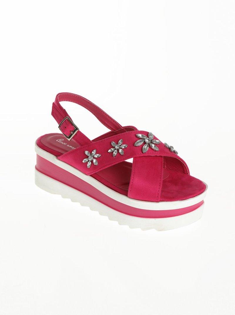 Sandalias con alta plataforma bicolor y pedrería brillante