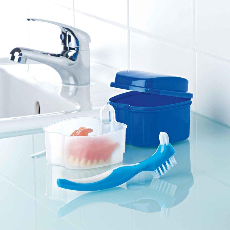 Kit de limpieza para prótesis dentales caja y cepillo
